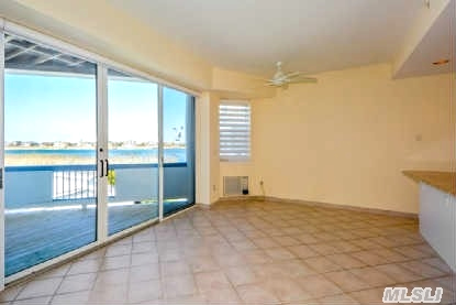 Dune Road Condo Waterfront / Bay View 2 Bed